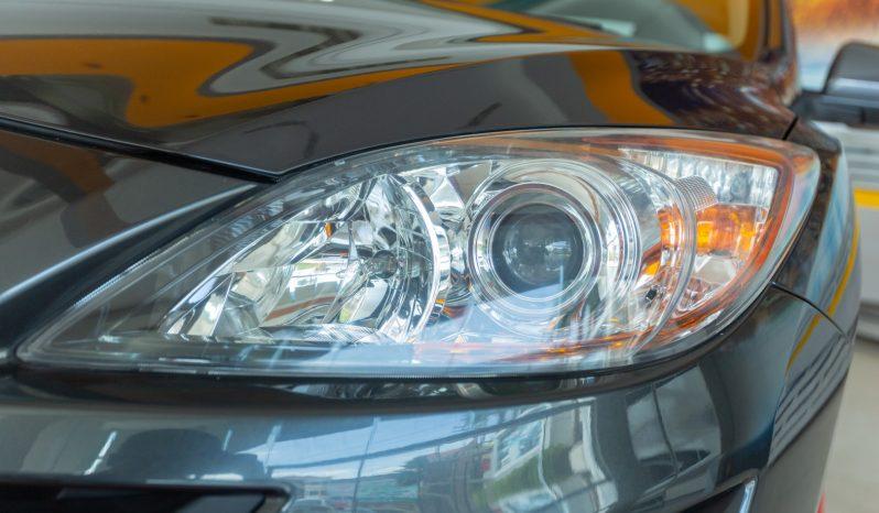 Mazda 3 Gray Metallic full