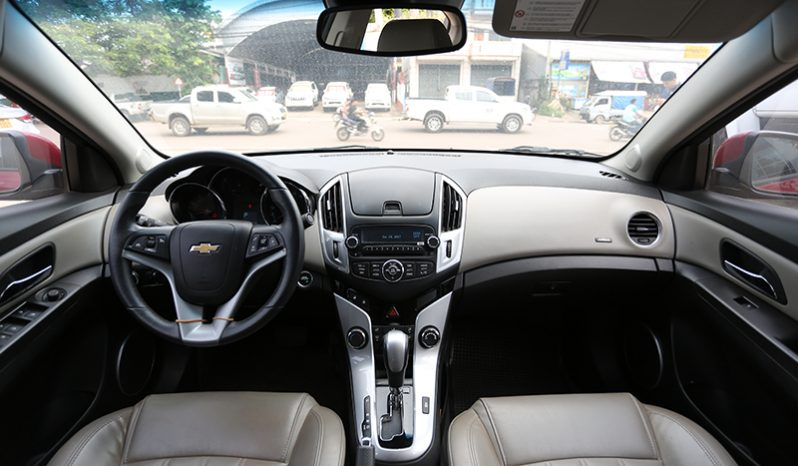 Chevrolet Cruze Red full